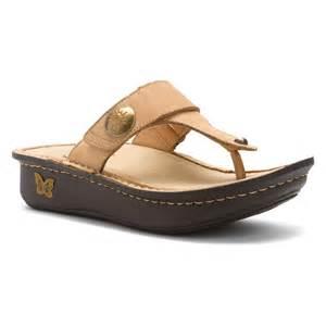 Comfort Wedge Sandals Alegria Women S Carina Sandals In Sand Magic Bone Burnish