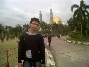 Ke Masjid Walau Jauh jalan jalan ke masjid kubah ekoeriyanah