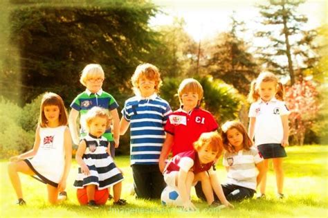 imagenes de niños jugando infantil ni 241 os jugando en primavera im 225 genes de primavera