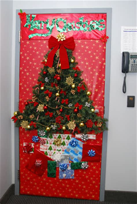 door christmas decoration contest seven door decorating contest