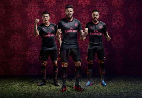Setelan Arsenal Black 1 arsenal news gunners unveil new black and pink third kit goal