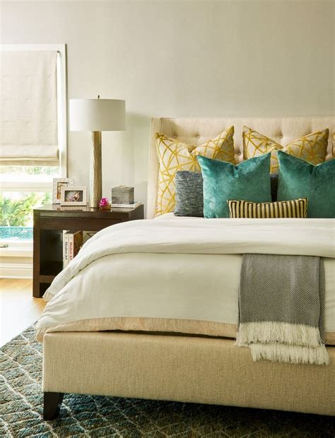 this cozy bedroom ideas for small rooms will make it feel best 25 warm cozy bedroom ideas on pinterest cozy white 556 | 0e57660a646e8634dfeffe0a5b2c4b32 warm cozy bedroom romantic bedrooms