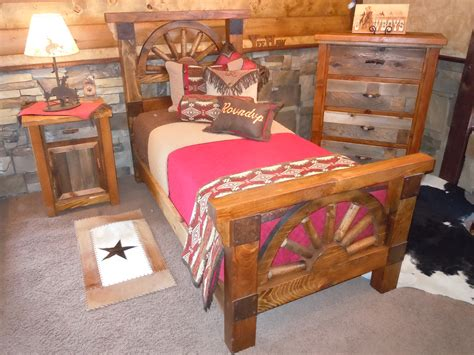 wagon wheel bedroom set rustic barnwood wagon wheel bedroom collection
