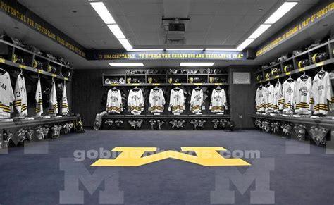 Of Michigan Rooms by Michigan Wolverines S Hockey Locker Room Ncaa