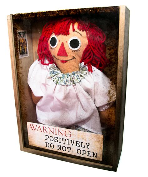 imagenes reales de la muñeca annabelle mu 241 eca annabelle con vitrina la tienda de la nave del