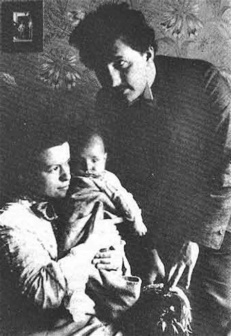albert einstein biography family albert einstein family law relativity