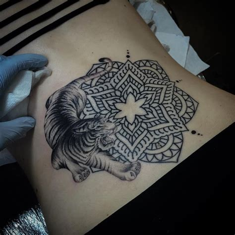 tattoo mandala tiger 109 of the most stylish mandala tattoos you will ever see