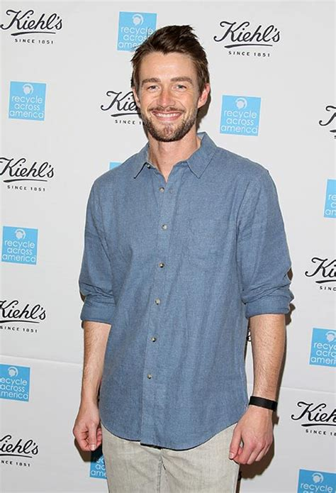 robert buckley girlfriend 2013 lea michele has a new boyfriend find out which actor has