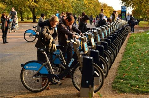 thames clipper bikes 10 things to do in london for 10 hostelbookers