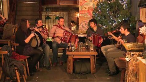 Trad Session at The Fiddlestone: Traditional Irish Music