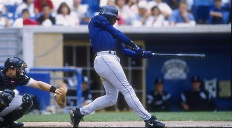 griffey swing here is a quot loop video quot of ken griffey jr s perfect swing