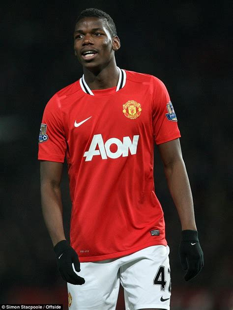 pogba the rise of manchester united s homecoming luca caioli books paul pogba at centre of manchester united and real madrid