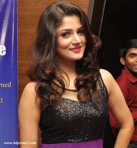 Srabanti Chatterjee Sexy in Black Dress | Veethi