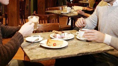 imagenes graciosas tomando cafe dos personas tomando caf abc es