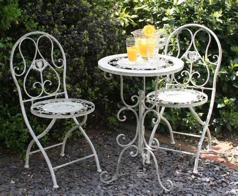 Shabby Chic Bistro Table And Chairs 38 Best Images About Small Gardens On Pinterest Gardens Table And Chairs And Small Patio Gardens