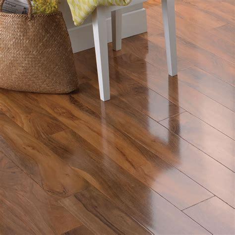 Dolce Walnut effect Laminate flooring 1.19 m² Pack