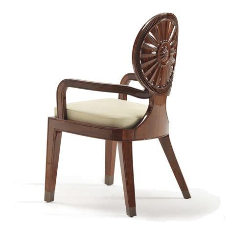 sedia imbottita con braccioli sedia con braccioli imbottita in legno liscio