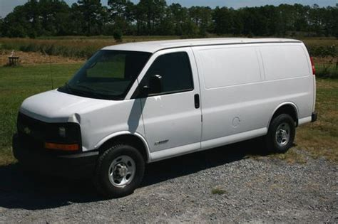 how to work on cars 2005 chevrolet express 1500 auto manual find used 2005 chevrolet express 2500 cargo van 3 door 4 8l v8 3 4 ton chevy work truck in
