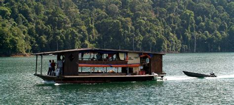 tasik kenyir boat house tasik kenyir boat house images