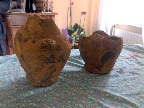 Vasi Antichi Etruschi by Parrano Trovati Due Antichi Vasi Etruschi Tuttoggi