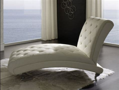 Comfy Chairs For Bedroom Design Ideas Make Your Every Minute In Your Bedroom Meaningful With Some Stylish Comfy Chairs Designs Homesfeed