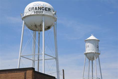 file granger house marion iowa jpg wikimedia commons file granger iowa 20090607 water towers jpg