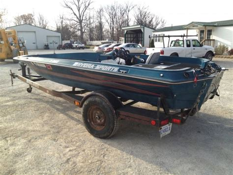 Hydra Sports X260 Boat & Trailer