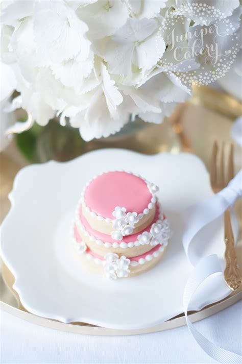 Wedding Cake Cookies by Sweet Tiers How To Create A Stacked Wedding Cake Cookies