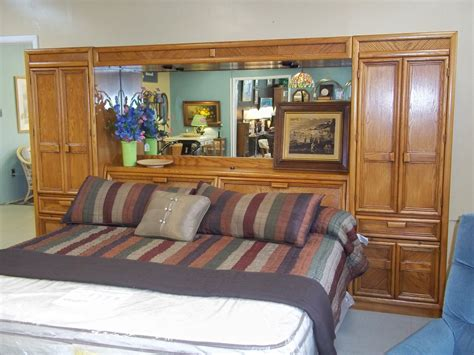headboard wall unit w 1 8739 oak king size mirrored and lighted headboard wall unit is sold