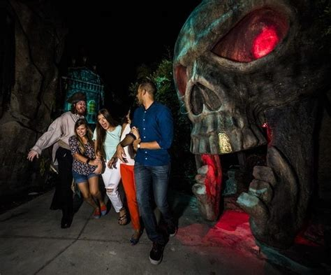 Hollow Scream Busch Gardens by Howl O Scream 2017 Orlando Tickets Hotels Packages