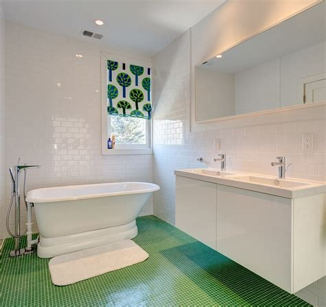 bathroom uses 20 refreshing bathrooms with a splash of green