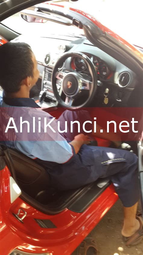 Menduplikat Kunci Ahli Duplikat Kunci Immobilizer Tangerang 0852 2707 0694