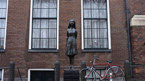 anne frank house amsterdam anne frank s marbles prove resonance of a small museum the times of israel