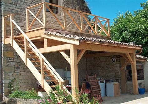 abri pour escalier exterieur 2147 bois de construction exterieur plan charpente bois 2
