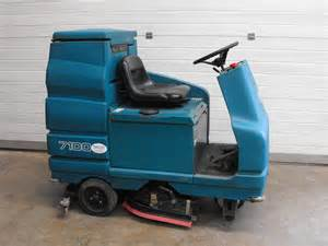 Floor Scrubber Rental by Tennant 7100 Ride On Scrubber Dryer Southern Cleaning