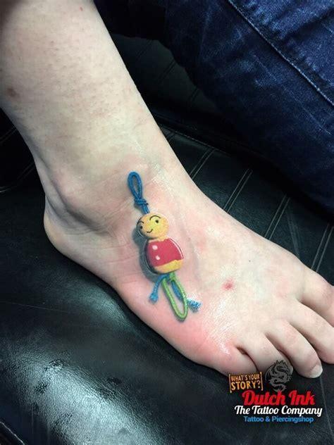 tattoo letters voet voet tattoo voorbeelden laat je inspireren door dutch ink