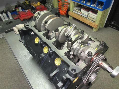 Chrysler 360 Engine 360 c i chrysler crate engine with 475 hp