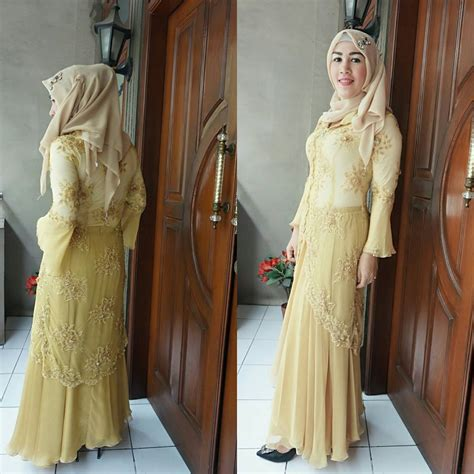 Busana Pesta Wanita Model Baju Seragam Pesta Hairstylegalleries