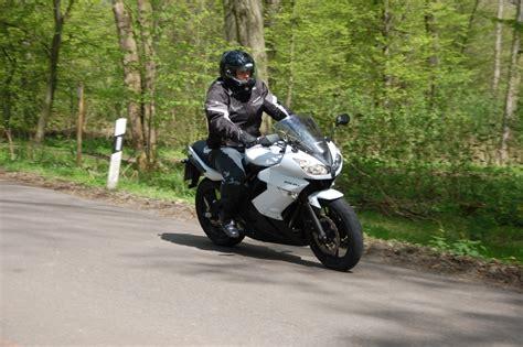 Einsteiger Motorrad Sporttourer by Fahrbericht Kawasaki Er 6f Abs Allrounder F 252 R Einsteiger