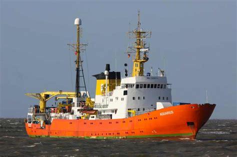 l aquarius bateau wikipedia euro m 233 diterran 233 e sos m 233 diterran 233 e et m 233 decins du monde