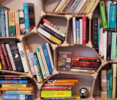 desain lemari kreatif kreatif rak buku kreatif