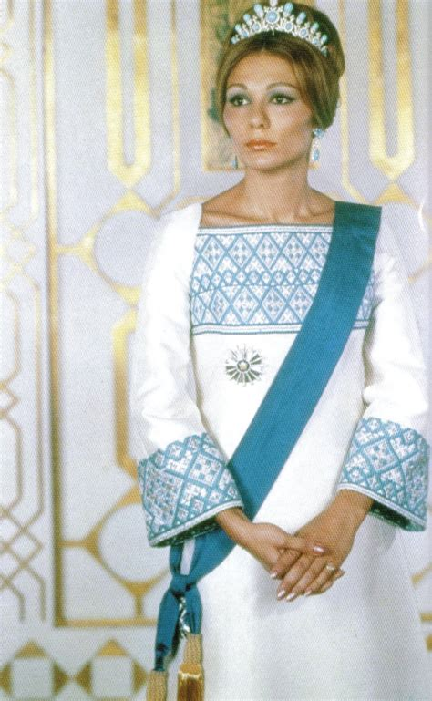 Queen Farah Pahlavi Iran | classify former queen of iran farah pahlavi and her daughters