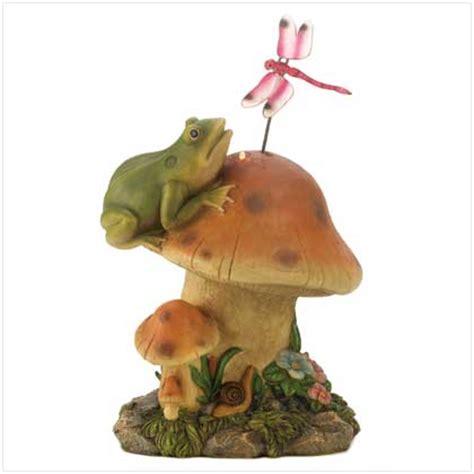 solar frog statue solar garden decor