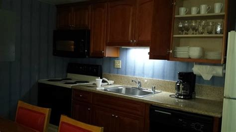 Anaheim Suites With Kitchen by 301 Moved Permanently