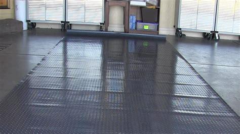Unrolled  Garage Floor Mat   Wont Lay Flat