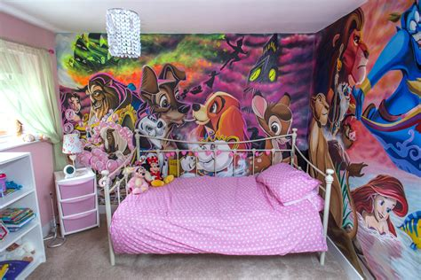 disney wallpaper for bedrooms dad paints dream disney bedroom to turn little princess