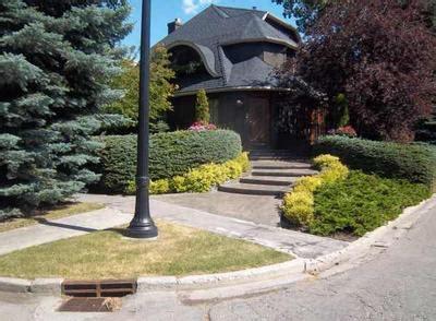 corner lot landscaping tips
