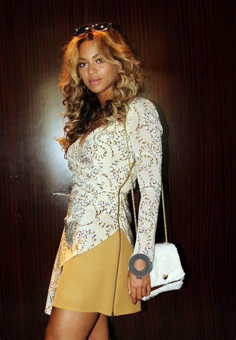 Get Beyonces Bag by Get The Look Beyonc 233 S Topshop Unique Asymmetric Rope