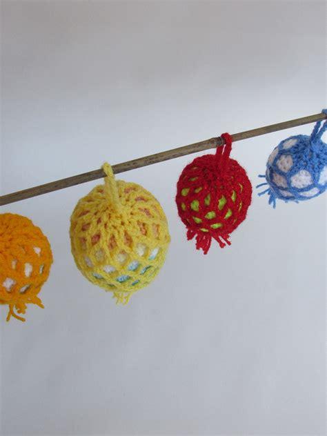 outside baubles outdoor tree bauble crochet pattern