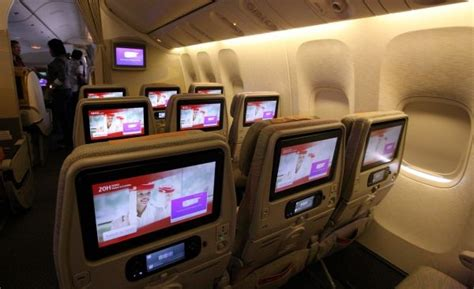 Emirates Entertainment | emirates unveils world s largest in flight screens